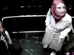 Girl Cheats On Husband In The Lift