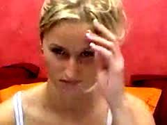 Wochcutie Girl In Front Of Webcam