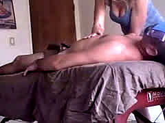 Milf Sees Hard Dick During Lomi Lomi Massage