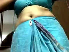 Smart Northindian Aunty Show Herself