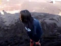 Girl Strips Fully Naked On Beach