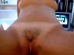 Horny Asian chick givng kinky head