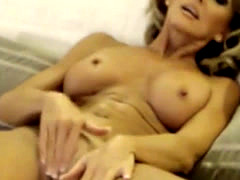 Superb milf with sexy body