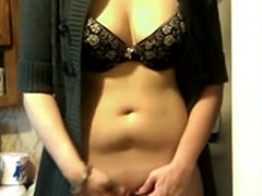 Hot College GF Nude FIngering in her Shaved Pussy Mms