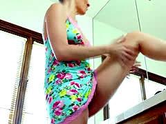 Masturbating masseuse rim