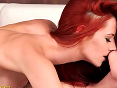 extra hot girl4girl licking pussies