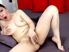 Redhead Babe Plays with her Clit till she Orgasms