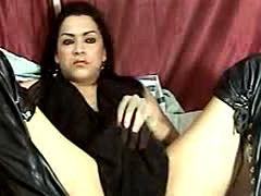 Amateur Shemale Masturbate her Cock