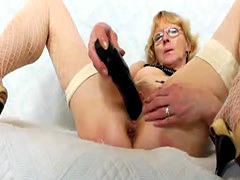 Blond wifey gapes and fucks her cooter