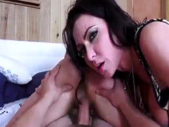 Milf Jessica James Gives Lesson to Babysitter