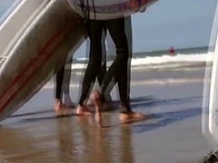 Surfing teen les fingered