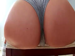 Jynx Maze gifts toi the husband a great sex experience - ForDreamers*
