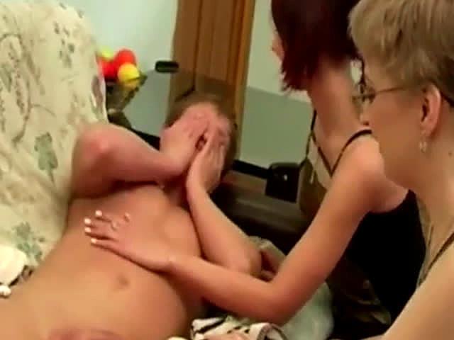 мать и сын в одной постели порно