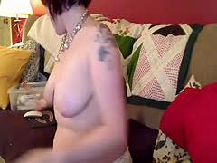 redhead camgirl cums hard with her hitachi