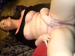 Sexy milf babe squirts
