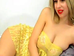 Hot Cute Blonde Chick Masturbate on Cam