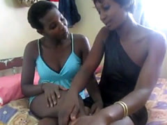 Omg! African women using homemade toy. How to make african pussies wet