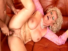 Mature Lady Gets Her Hairy Snatch Pounded
