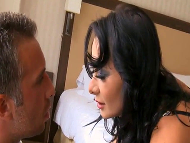 Lusty woman double penetrated and enjoys double facial