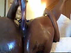 Oiled black ass dildo massturb...