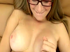Tight babe with glasses sits on hard cock on the floor