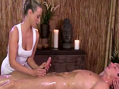 Masseuse gives sensual handjob