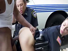 Criminal runs from the police and gets caught in a dirty proposal