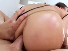 Anal for Big Booty Cutie