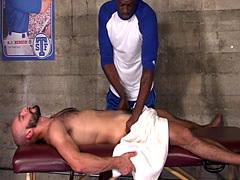 Ripped masseur pounds