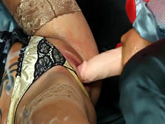 Cum drechend euro straponfucked in threesome