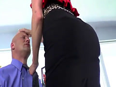 Milf domina pegging and asstoying her sub