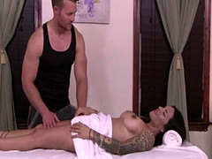 Firm ass TS Foxxy seduces hot masseuse Jett Parker and gets anal fucke