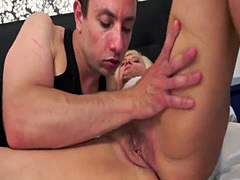 Pussylicked granny gets her face jizzed on