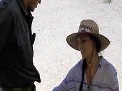 Latina sucks off and gets boned by BP officer on the border