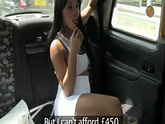 Ebony taxi brit cumsprayed by cab driver