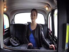 Russian teen Arwen receieves hot jizz