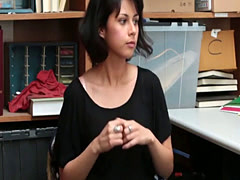 Sexy shoplyfter Penelope Reed ...