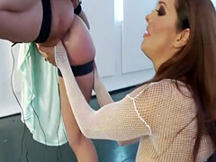 Submissive bounded chick slammed with strapon