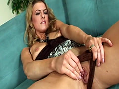 WANKZ- Blonde Mia Presley Using Dildo