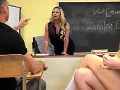 TS Aubrey bangs pussy in threesome sex
