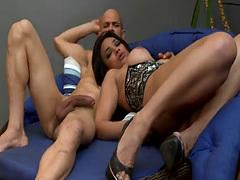 Brunette Latina tranny gets big ass pounded