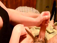 MY STEPSISTER STROKES MY COCK FOR A CUMSHOTy stepsister strokes my coc