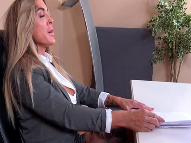 Milf pussy licked during riding news