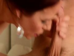 Stud Bang Girlfriend's Hot Mom