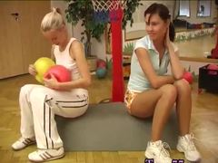 Emo teen webcam Cindy and Amber pummeling each other in the gym