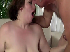 Hot BBW knows how to please a guy