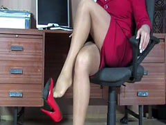 Wife Secretary in a Pantyhose