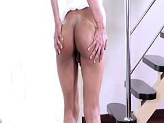 Twerking ts covers herself with warm jizz