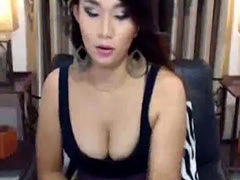 Sweet Shemale hottie sexy cam show live