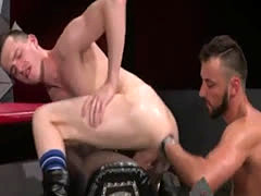 Sweet hunk fisted gay Aiden Woods is on his back and shrieks to Axel